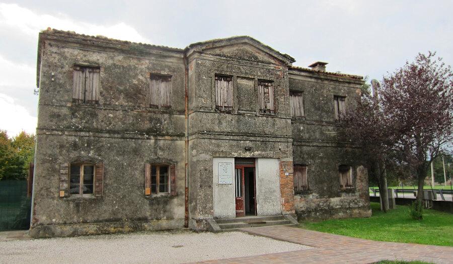 ex-casa-custode-cimitero-monselice-luogo-memoria-ossari-cinerari
